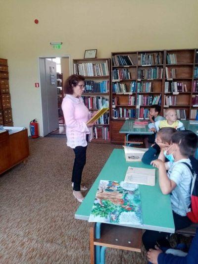 """Посещение в библиотека """"Йордан Радичков"""" на най-малките ученици 1"""