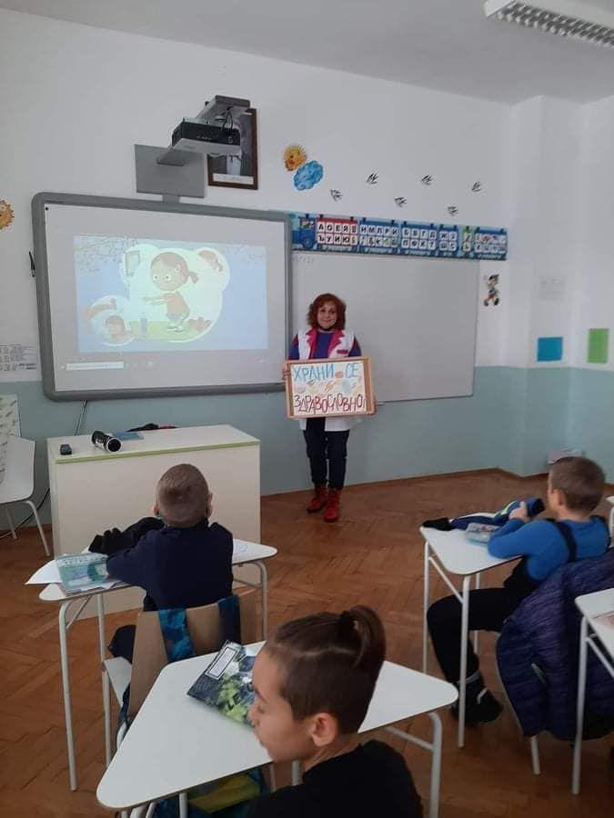 Здравни беседи в часа на класа  - голяма снимка