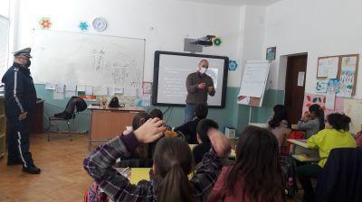 Уроци по БДП с участието на служители от РУ на МВР - Берковица 4