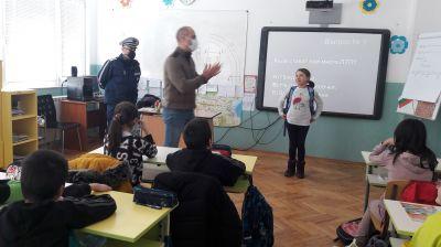 Уроци по БДП с участието на служители от РУ на МВР - Берковица 5