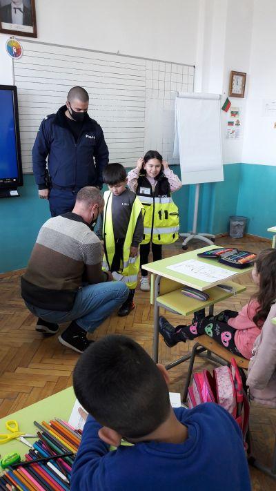 Уроци по БДП с участието на служители от РУ на МВР - Берковица 6