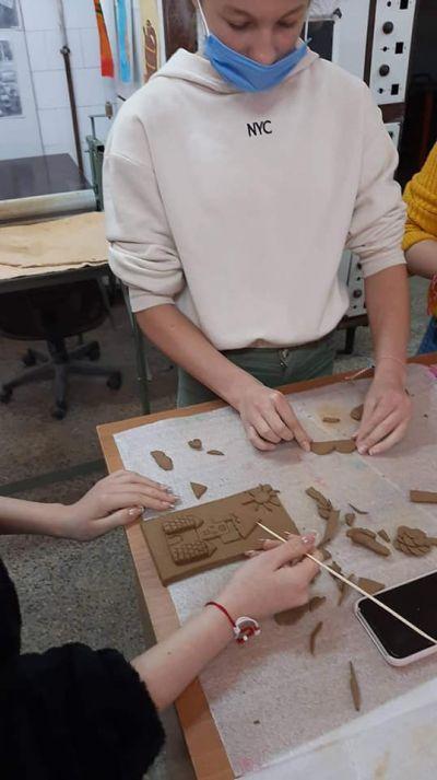 Час по изобразително изкуство със VII клас в Ателието по грънчарство на Първо основно училище 2